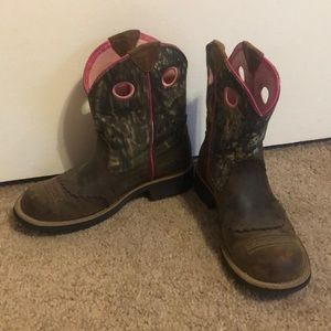 Ariat Fatbaby camo cowgirl boots